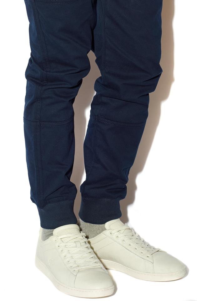 Kit-Harrington-Smart-Sneaker