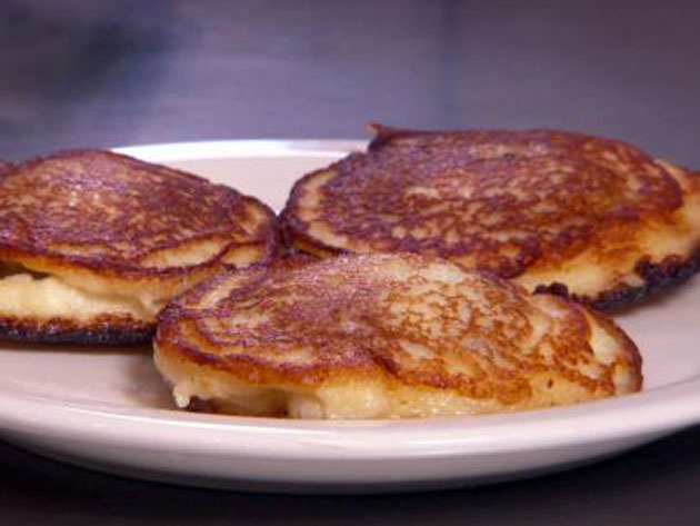 byelorussian-kolduny-potato-pancakes-stuffed-with-ground-meat_s4x3_jpg_rend_sni12col