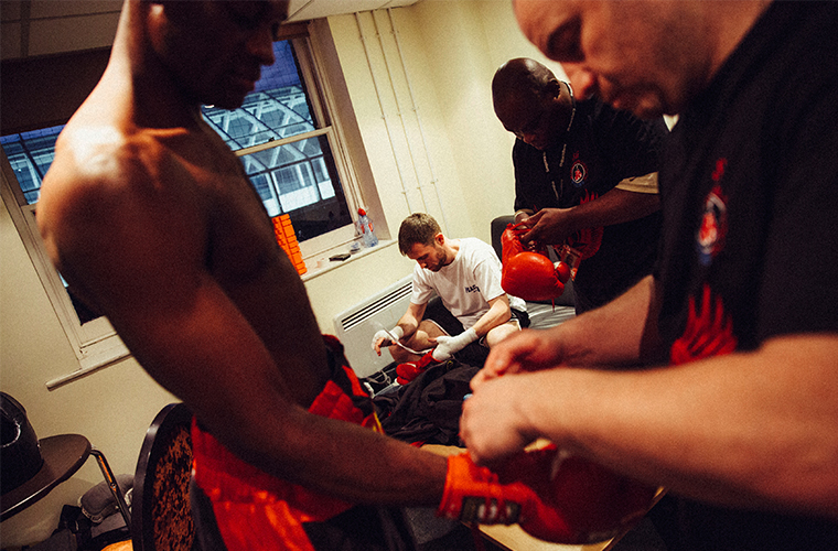 journeymen-boxing-dressing-room