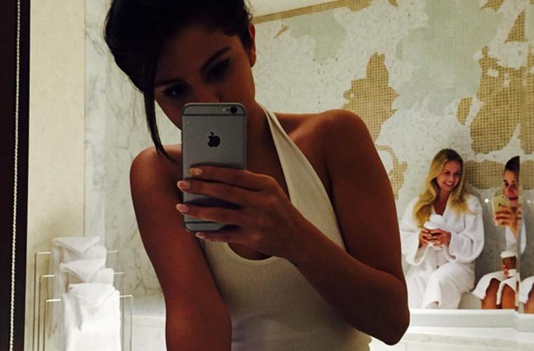Selena-gomez-underwear