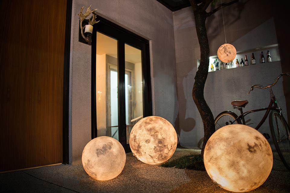 luna-moon-lamps